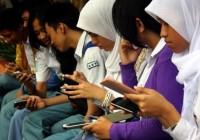 Dampak-Kemajuan-Teknologi-Informasi-Terhadap-Komunikasi-1