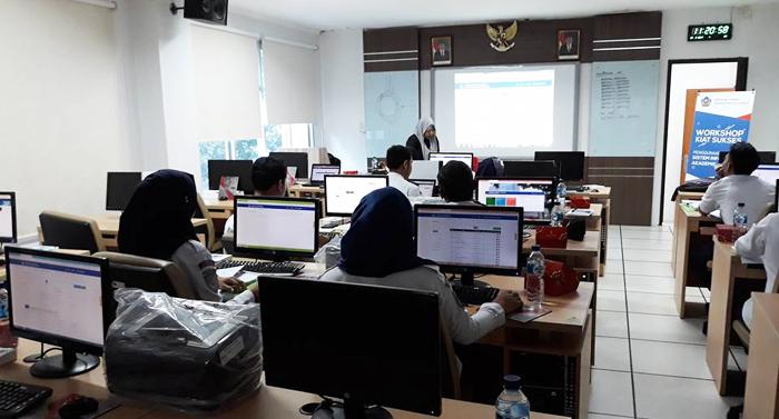 Sekolah Tinggi Transportasi Darat Jakarta